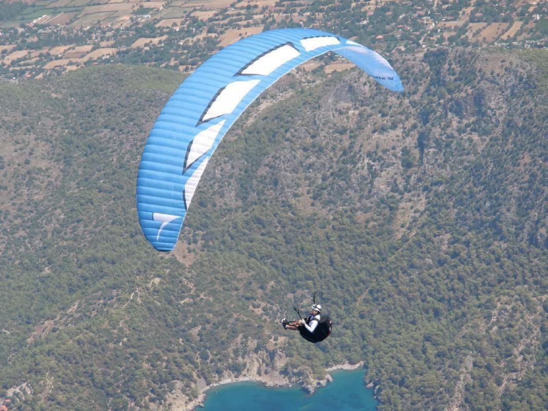 2-Person Tandem Flight & Paraglider Experience near Tokyo in Uenohara City