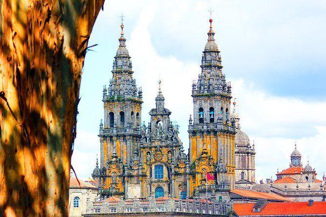 Old Town of Santiago de Compostela Walking Tour