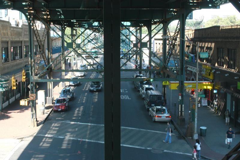 Tour through Queens in New York