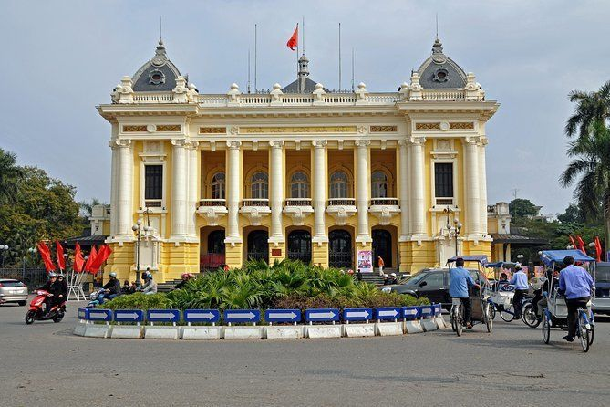 Private Half-day Tour: Explore Hanoi City with Vietnamese Buffet and Green Car