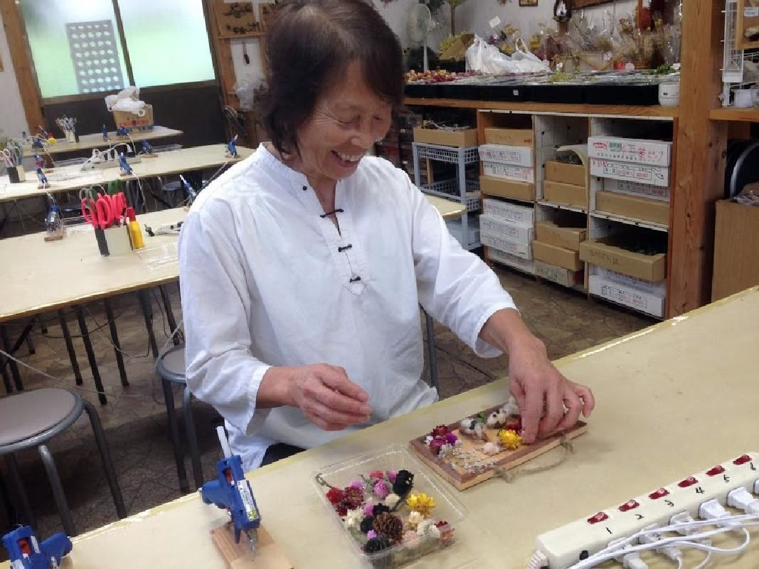 Half Day Dry Flower Arrangement Lesson in Minakami